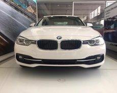 Bán BMW 3 Series 330i đời 2017, màu trắng, xe nhập, ưu đãi lên tới 50% trước bạ, có xe giao ngay giá 1 tỷ 798 tr tại Quảng Trị