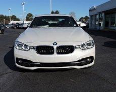 Bán BMW 3 Series 330i năm 2017, màu trắng, nhập khẩu chính hãng. Cam kết giá tốt nhất, giao xe ngay, đủ màu giá 1 tỷ 798 tr tại Quảng Trị
