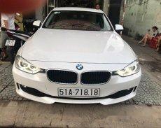 Cần bán lại xe BMW 3 Series 320i đời 2013, màu trắng chính chủ giá 1 tỷ 99 tr tại Hậu Giang