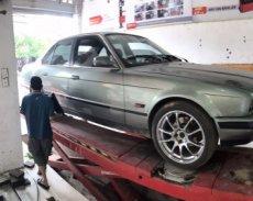 Cần bán xe cũ BMW 5 Series 2.5l MT năm sản xuất 1995, màu xám  giá 90 triệu tại Thái Nguyên