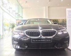 Hỗ trợ mua xe trả góp lãi suất thấp chiếc xe BMW 3 Series 330i M-Sport, sản xuất 2019, màu đen, xe nhập khẩu giá 2 tỷ 379 tr tại Hà Nội